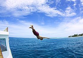 Surfing-Maldives-Himmafushi-Surf-Villa_ (3)