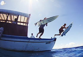 Surfing-Maldives-Jailbreak_ (7)