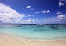 Surfing-Maldives_Jailbreaks-Surf Villa_ (18)