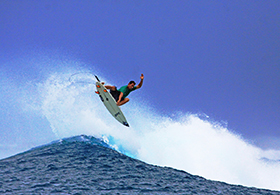Surfing-Maldives_Jailbreaks-Surf Villa_ (7)