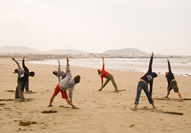 Yoga-Lanzarote-n the beach