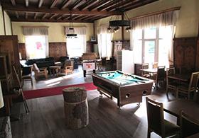 Lounge 1 mit Billiardtisch (800x600)_klein