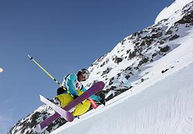 Skifahrer_Halfpipe