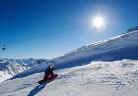 Snowboarder auf Parsenn