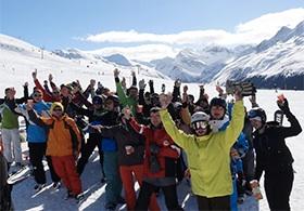 Gruppe im Skigebiet