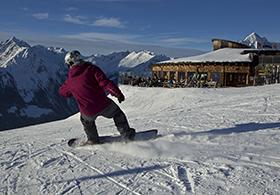 Snowboarder__Grossglockner_Resort_Kals-Matrei_