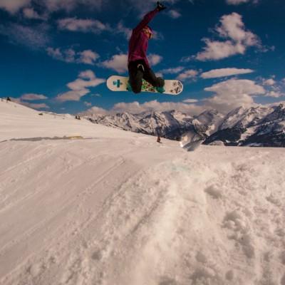 Shredschool mit den Ästhetikern in Zell am Ziller - Kostenloses Snowboard Coaching