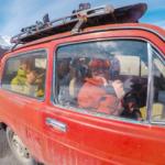 Gäste genießen ein komfortables Taxi